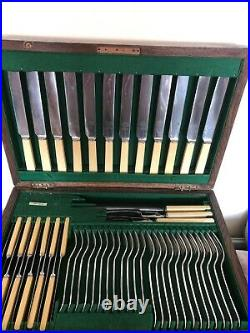 87 Piece Oak Canteen Of Dining Cutlery (ford & Medley) Setting For 12