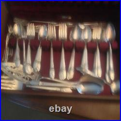 First Love Rogers Brothers 1847 SilverPlate Perfect 92 pieces Serv 12 + servings