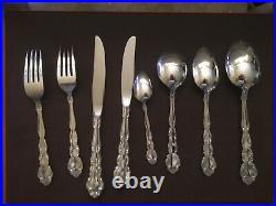 ONEIDA COMMUNITY SILVER PLATED 44 Piece CANTEEN of CUTLERY