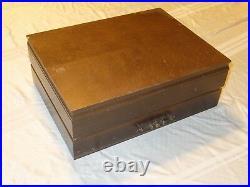 Oneida Heirloom Silverplate BELCOURT 65 Piece Silverware Set for 12 withbox