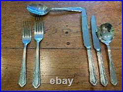 Viners Dubarry Classic Silver Plated 44 Piece Canteen of Cutlery