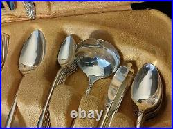 Vintage Community Oneida Evening Star Silver Plate 67 Piece Silverware With Case